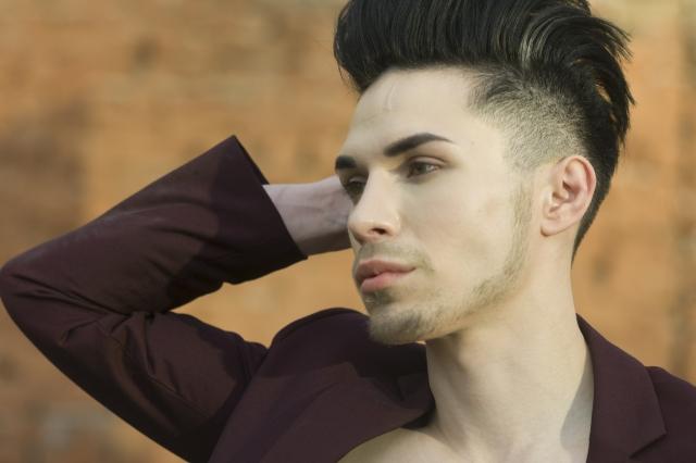ニュースリリース《ケープを首に巻かずとも散髪できる》「髪の毛が服につかない、毛か